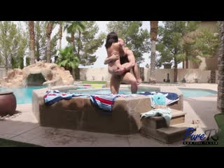 Aubrie Scarlett  Kellie Shaw  River Enza - Summer Orgy At ColbyS House _480p