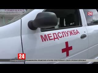 Сергей Карякин передал крымским медикам маски, респираторы и новый автомобиль
