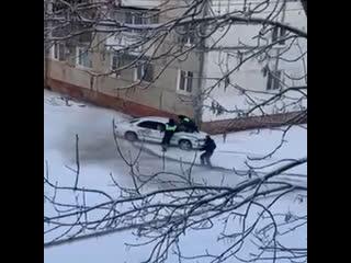 В ЕАО сняли на видео эпичную полицейскую погоню со стрельбой