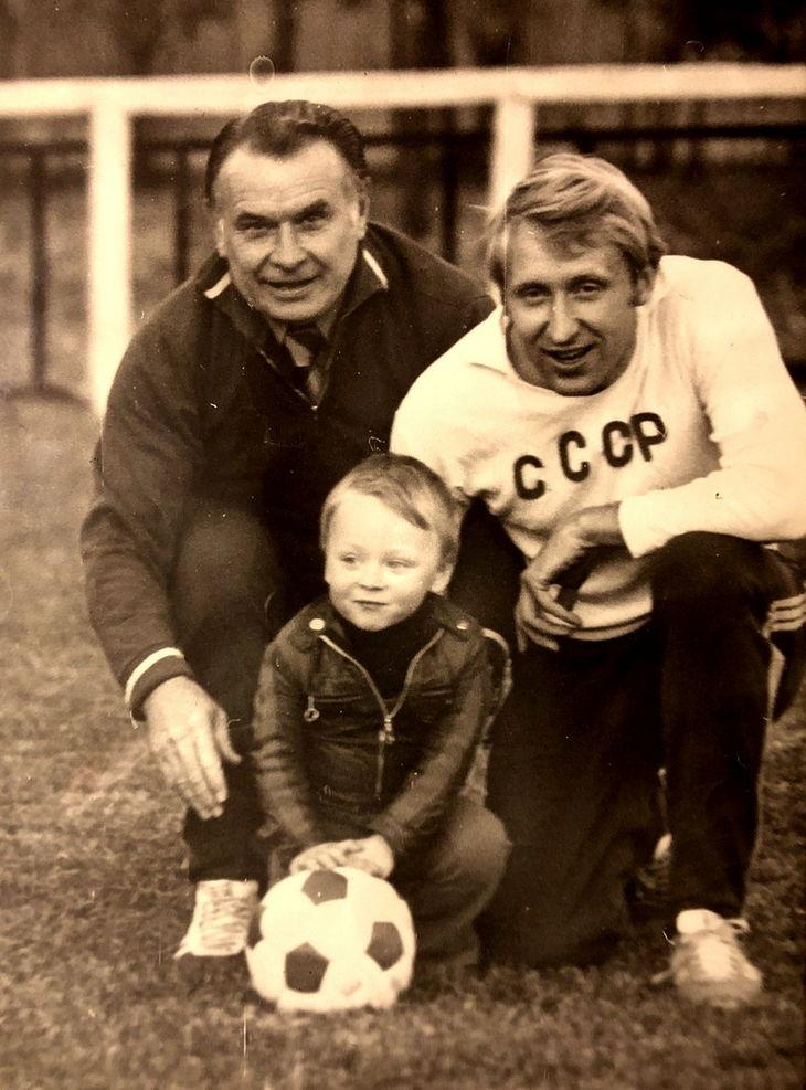 Констин Бесков, Владимир Федотов с сыном