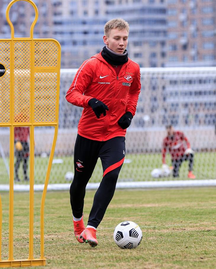 Наиль Умяров