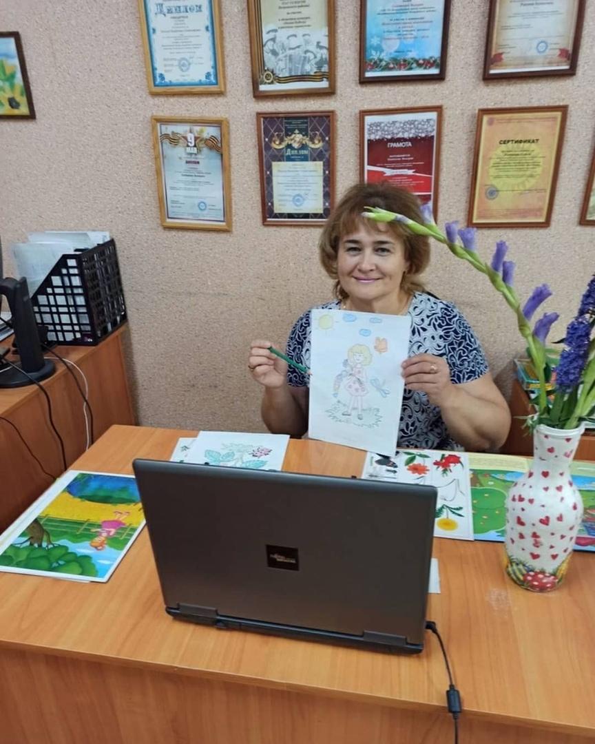 Для воспитанников Центра социального обслуживания Петровского района провели дистанционное занятие «Какого цвета лето»