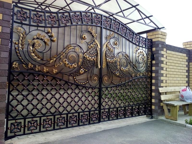 Ворота с художественной холодной ковкой