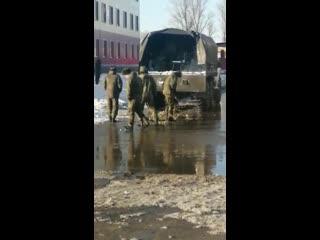 Когда полк ждет проверку! Черный снег убрать, завести белый!))) 😎