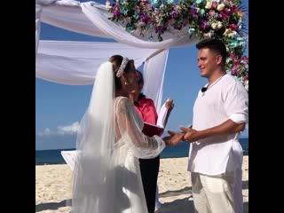 yuliyouuu: Сегодня у нас с Игорем полу-годовщина свадьбы :) Ровно пол года как мы муж и жена! 👰🏼🤵🏻