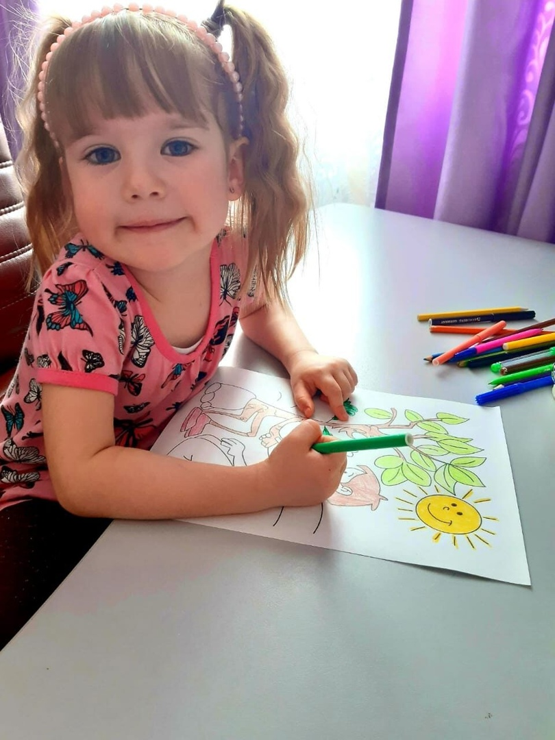 Библиотека села Новая Усть-Уза Петровского района организовала конкурс детских рисунков