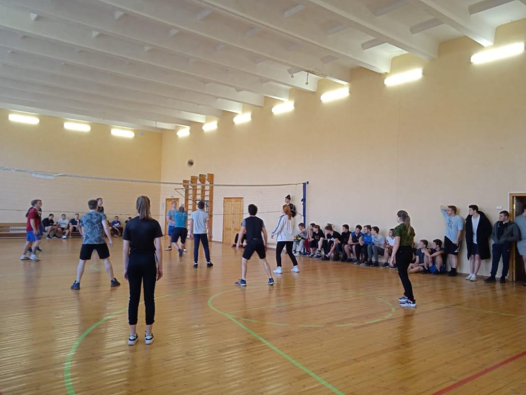 соревнования по Волейболу среди 3-4 курсов.15.12.20