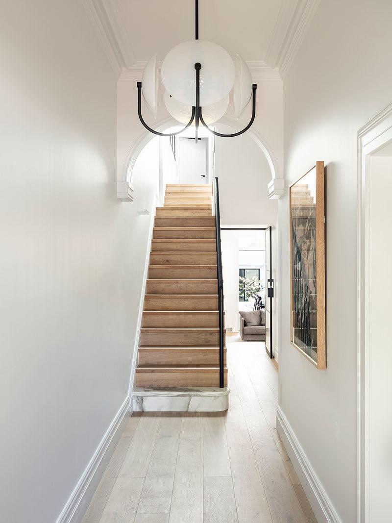 Светлые современные интерьеры уютного исторического дома в Сиднее || 02
