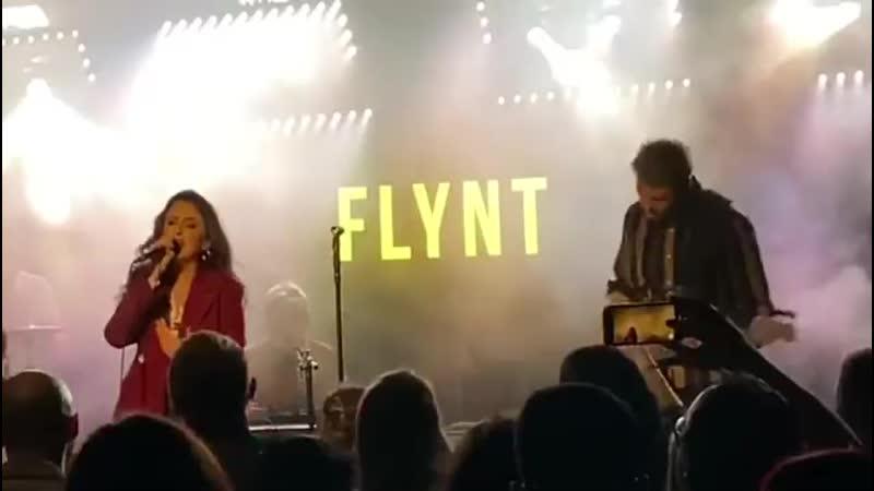 Flynt L O V E