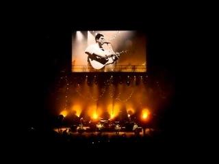 Mumford & Sons - Awake my soul @ Toronto (funny lead singer forgets lyrics)