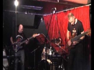 Stanley Clarke School Days bass jam by Alex Zavolokin & Dmitry Maximov