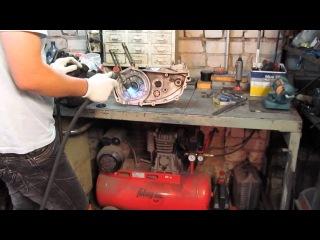 В этом выпуске. Восстановление кривошипно-шатунного механизма двигателя мотоцикла ИЖ ЮПИТЕР 5. Исправление последствий неквалифицированного ремонта и модернизация коренных подшипников коленчатого вала.