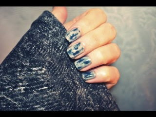 How to: Acid Wash / Denim inspired Nail Tutorial