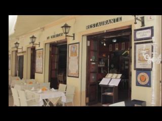 Julián Laguna Vicioso plays in the Restaurant - El Chinitas (Málaga) -  your song - For my Aleksandra Cherepovskaia