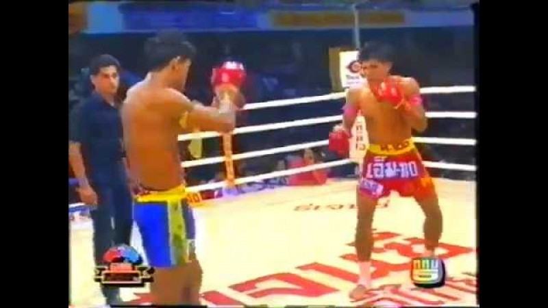 Classic Muay Thai Jaroenthong Kiatbanchong vs Klasuek Tor Witthaya