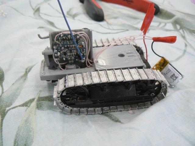 Трактор Сталинец 65 Строительство модели DasTractor Stalinist 65 der Bau des Modells 43 Maßstab