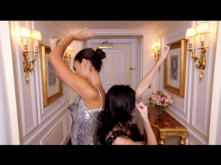 Kendall Jenner and Joan Smalls Master the Mirror Check