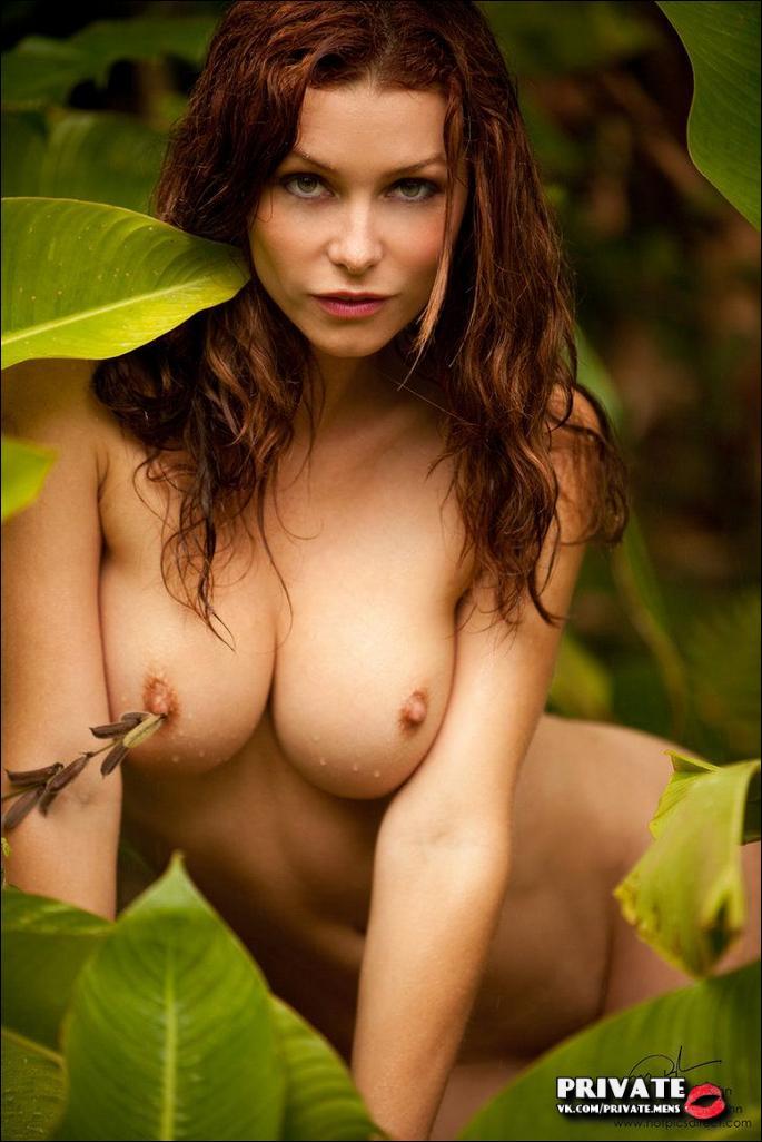 Ava roue redhead nude art model