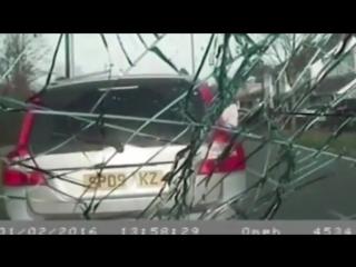 ОСОБОЕ МНЕНИЕ:   Нападение злых марио на полицаев в Англии, Киркби ()