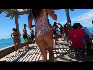 Asian chicks in bikini