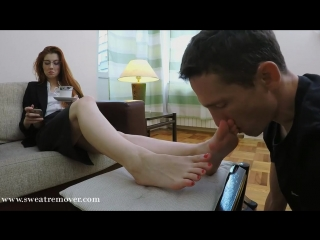 Goddess victoria foot slave licking feet вылизывает ноги