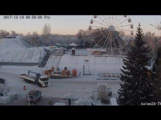 Веб-камеры К24 зафиксировали строительство снежного городка