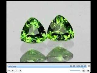 PREMIUM GREEN RUSSIAN DEMANTOID VVS 0,73 карата  2шт 4,20мм