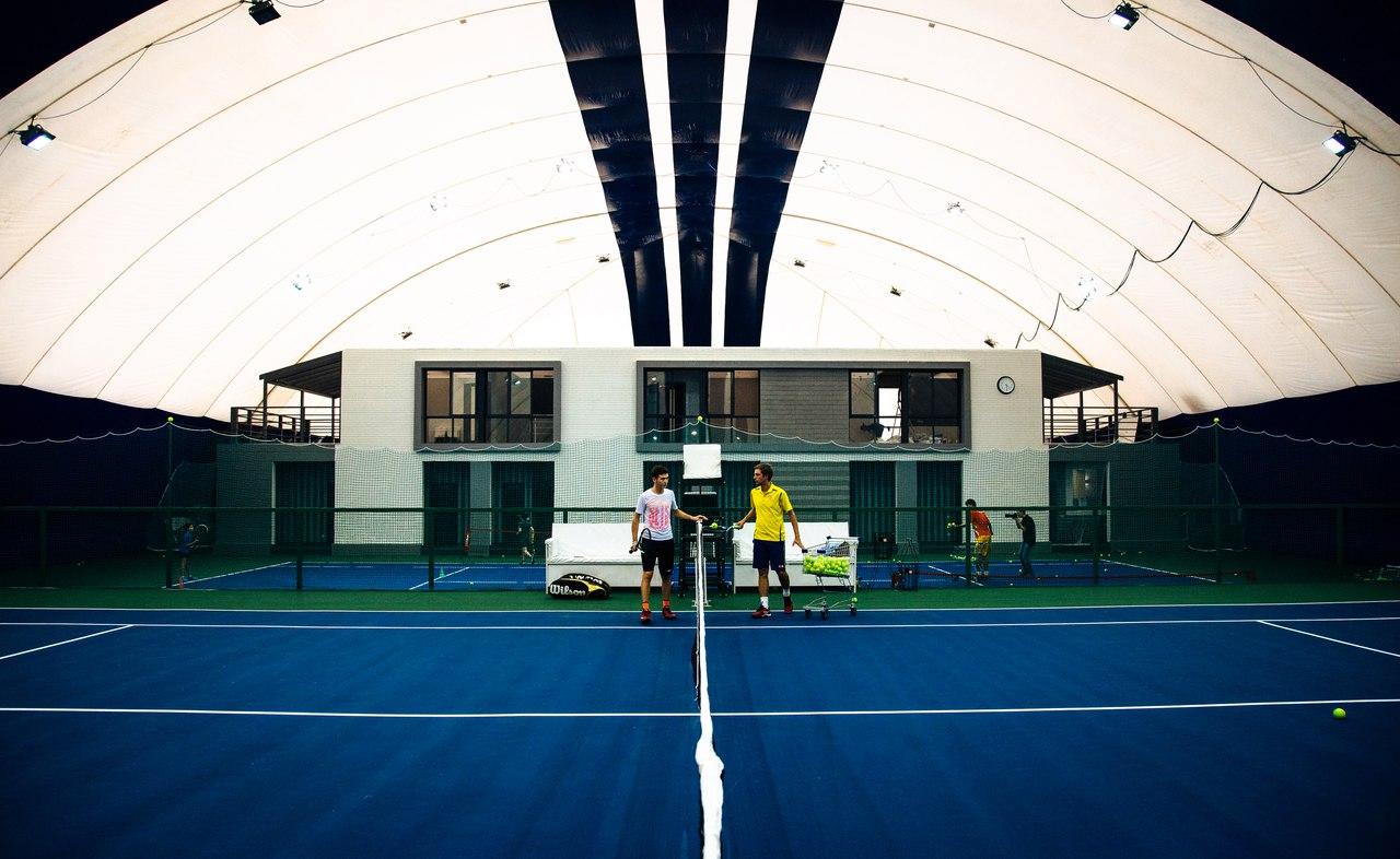 """Теннисный клуб """"Чемпион"""" в Новосибирске"""