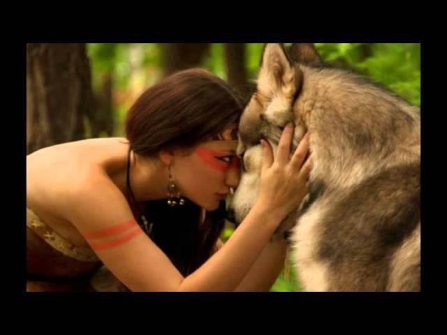 женщина с глазами волка читает Graf-art