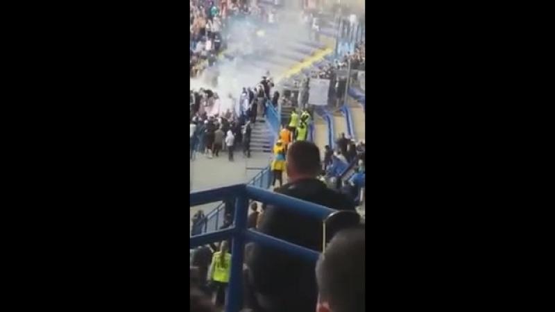 Беспорядки на стадионе ОСК Металлист во время украинского класико