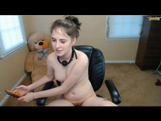 18yo nude teen smokes on webcam