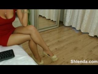 Красивая зрелая стройная сисястая мамаша в обтягивающем платье Teen porno anal анал mature кастинг