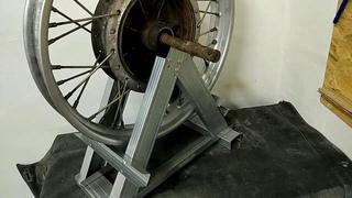 Ремонт колеса мотоцикла Урал. Часть 3. Удаляю восьмёрку.