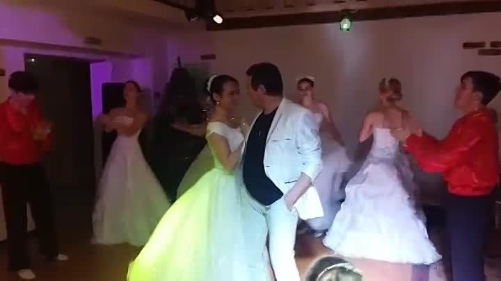 Свадьба пела и плясала 19 01 19 Подарок жениху Можейко Блонский Мостовской