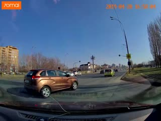 BMW X5 г/н А599НО763. Обгон по обочине, проезд на красный, не пропуск пешеходов.