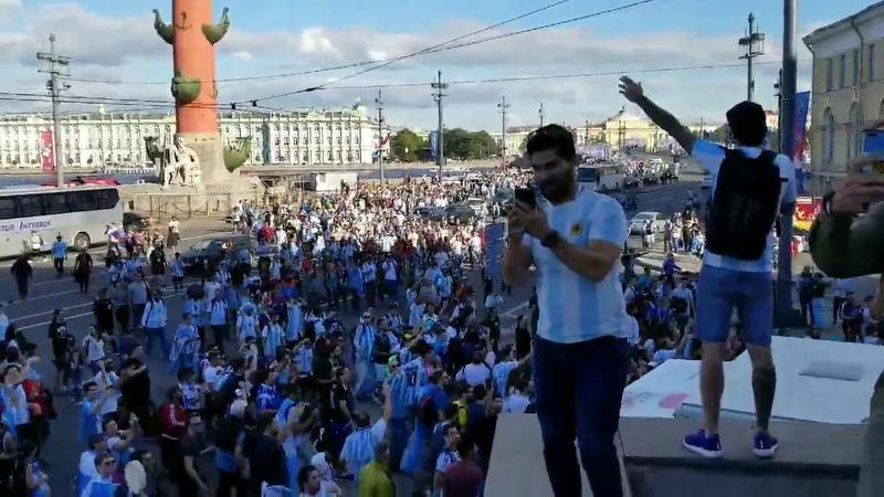 Argentinos copan las calles de San Petersburgo