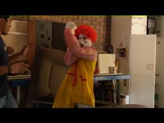 Ronald McDonalds EXTREME NEKNOMINATE! ¦ Экстремальная пьянка Рональда МакДональда [Русская озвучка]