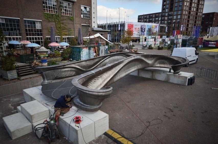Первый в мире 3D-печатный стальной мост, представленный на голландской неделе дизайна