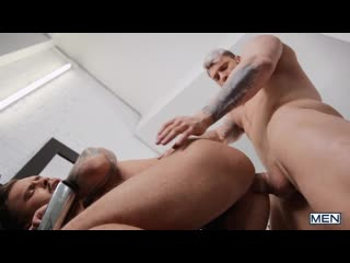 Mn - men.com - a closer shave - seth knight  william seed