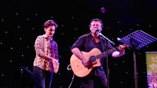 James Dean Bradfield & Alli Hirsz - Little Baby Nothing. Newbridge Memo 12/12/18