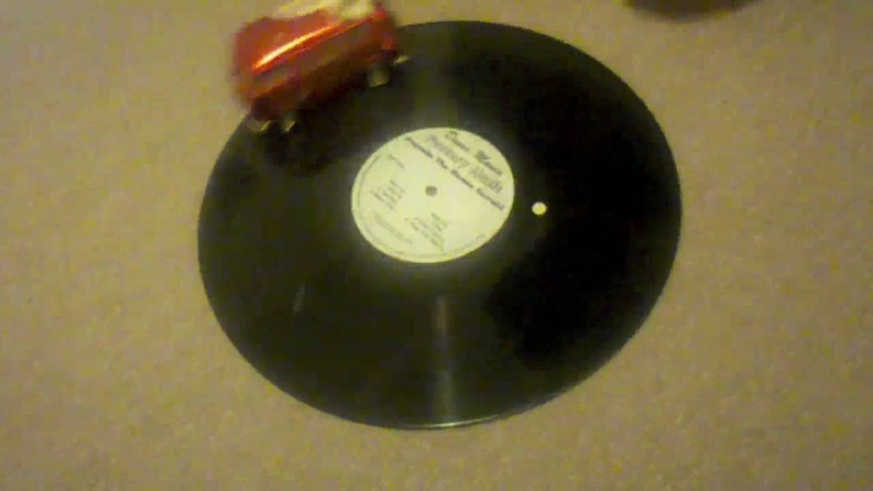 自走式レコードプレイヤー Vinyl Killer