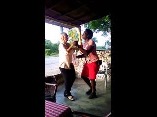 Доминиканец Victor и аргентинка  Lili, Бачата) Доминикана, июнь 2017)
