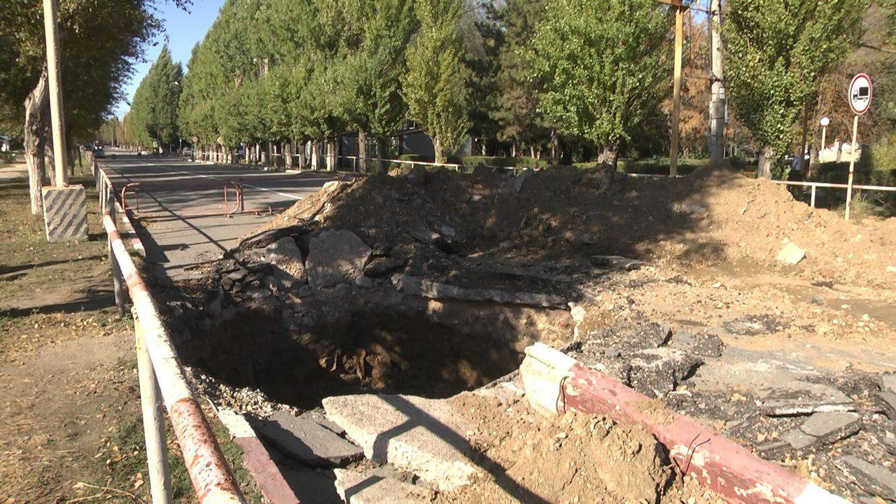 В Армянске практически завершилась работа по ремонту дороги на улице Гайдара