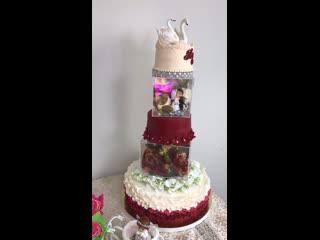 Роскошный свадебный торт с фуршетом