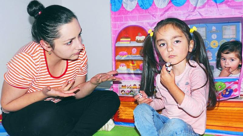 Аревик открыла магазин сладостей и история про Johny Johny yes papa