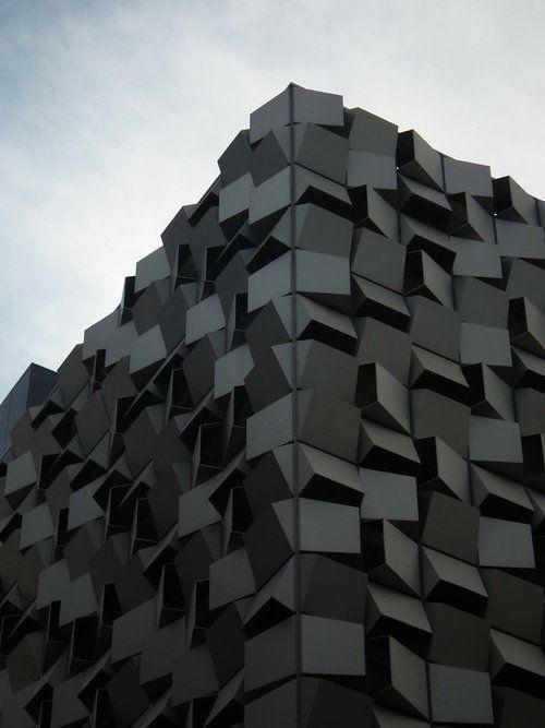 Черные фасады
