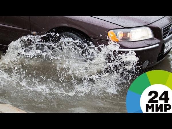 Заплыв по улице жители Сочи публикуют видео потопа