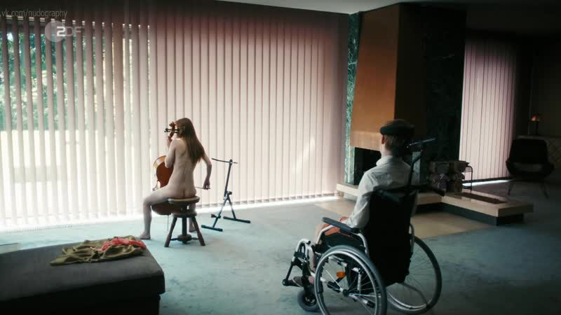 Йозефина Пройс (Josefine Preuß (Preuss)) голая в сериале Вина по Фердинанду фон Шираху (Schuld, 2017) s02e03 HD 720p