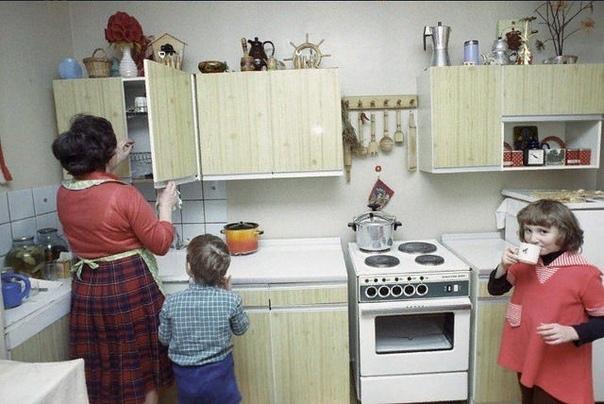 Разглядываем типичную советскую кухню... Какие воспоминания