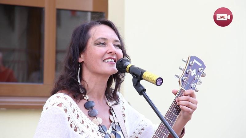 Слоним - слушай! Полонез Огинского в исполнении москвички Милы Рожковой (16 августа 2018)